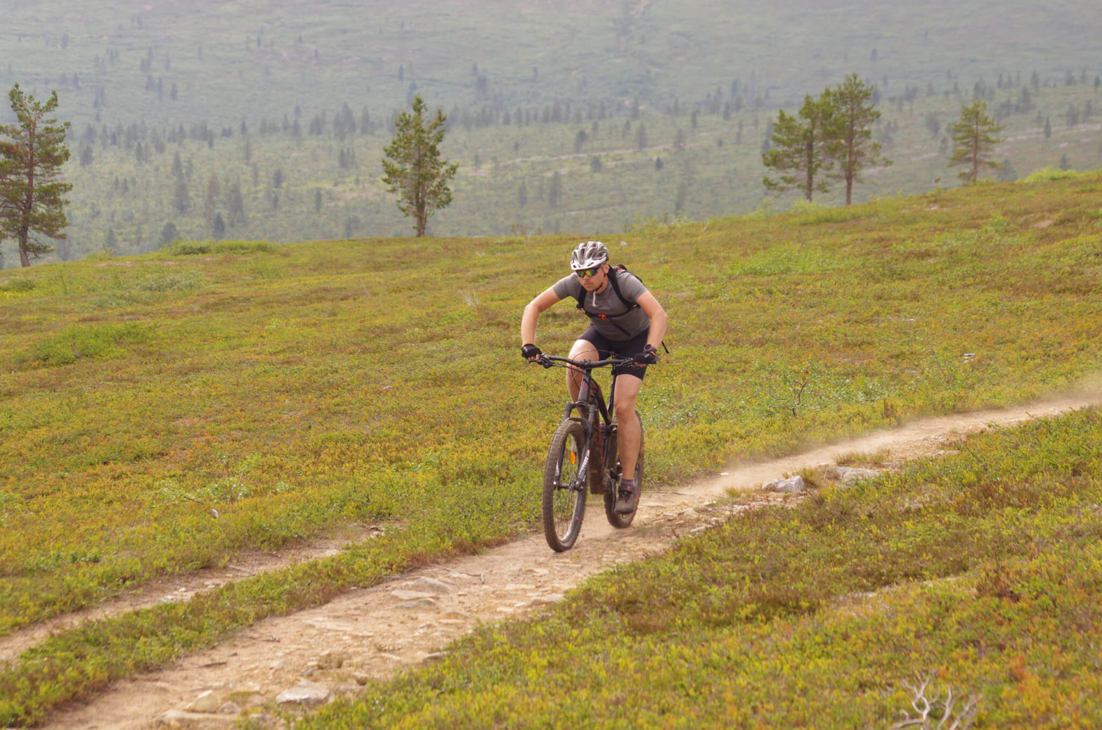 Maastopyöräily + polkujuoksu = tunturiduathlon